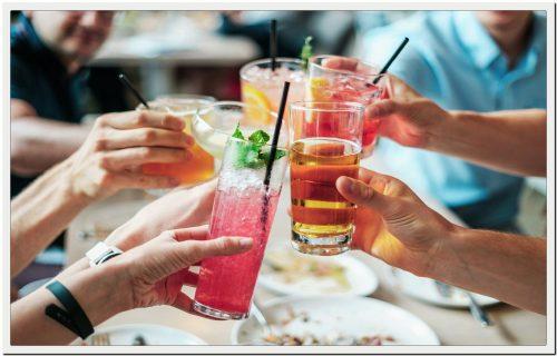 Cóctel o copa de bienvenida